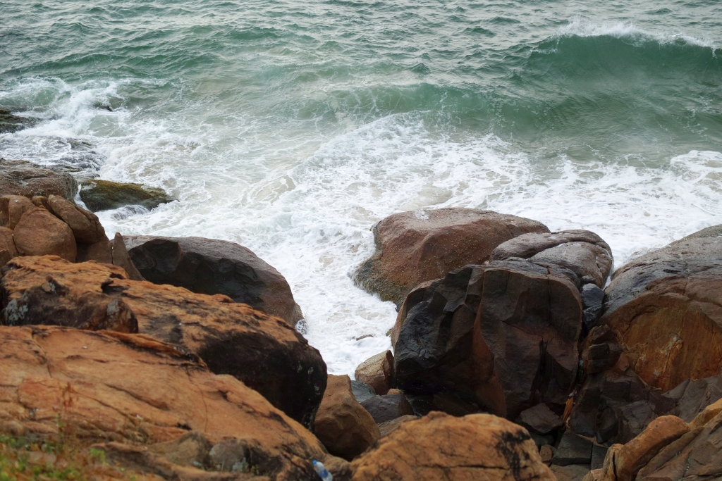 View of the sea crashing on the Kerala shore